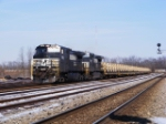 NS 9654 leads a &quot;hummer xpress&quot;